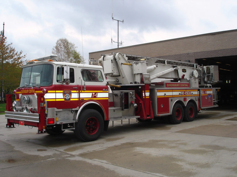 Tower Ladder 5 - 1989 Mack Baker/Aerialscope - Pre-Refurb